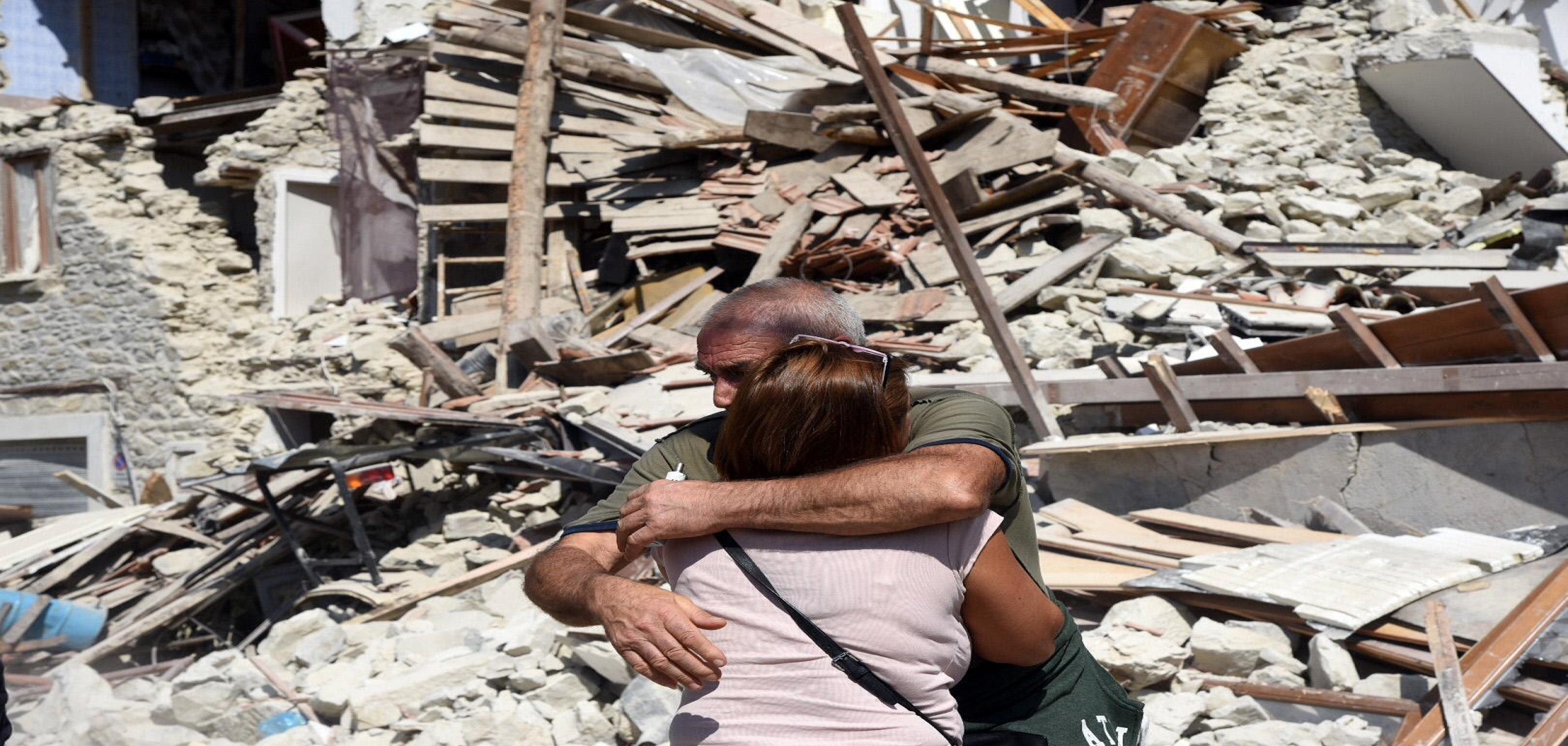 terremoto-abbraccio-140x100.jpg